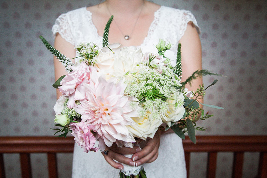 April Wedding Flowers  April Wedding Flowers Wedding Flowers By Season