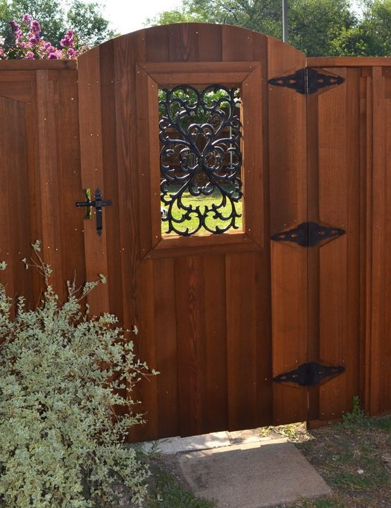 Backyard Fence Door  Create the Best Wood Fence Gate for Your Home and Yard