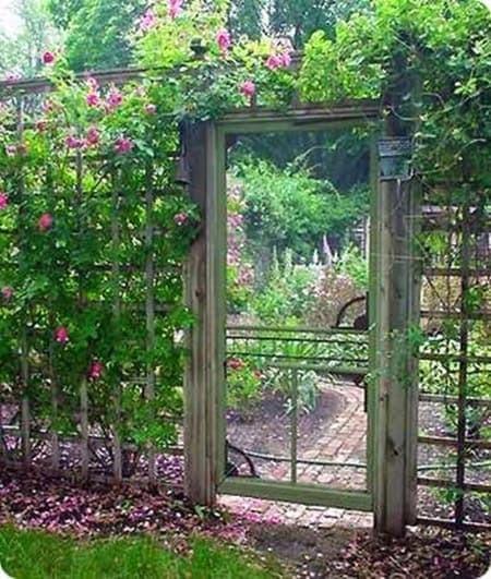 Backyard Fence Door  15 Super Easy DIY Garden Fence Ideas You Need To Try