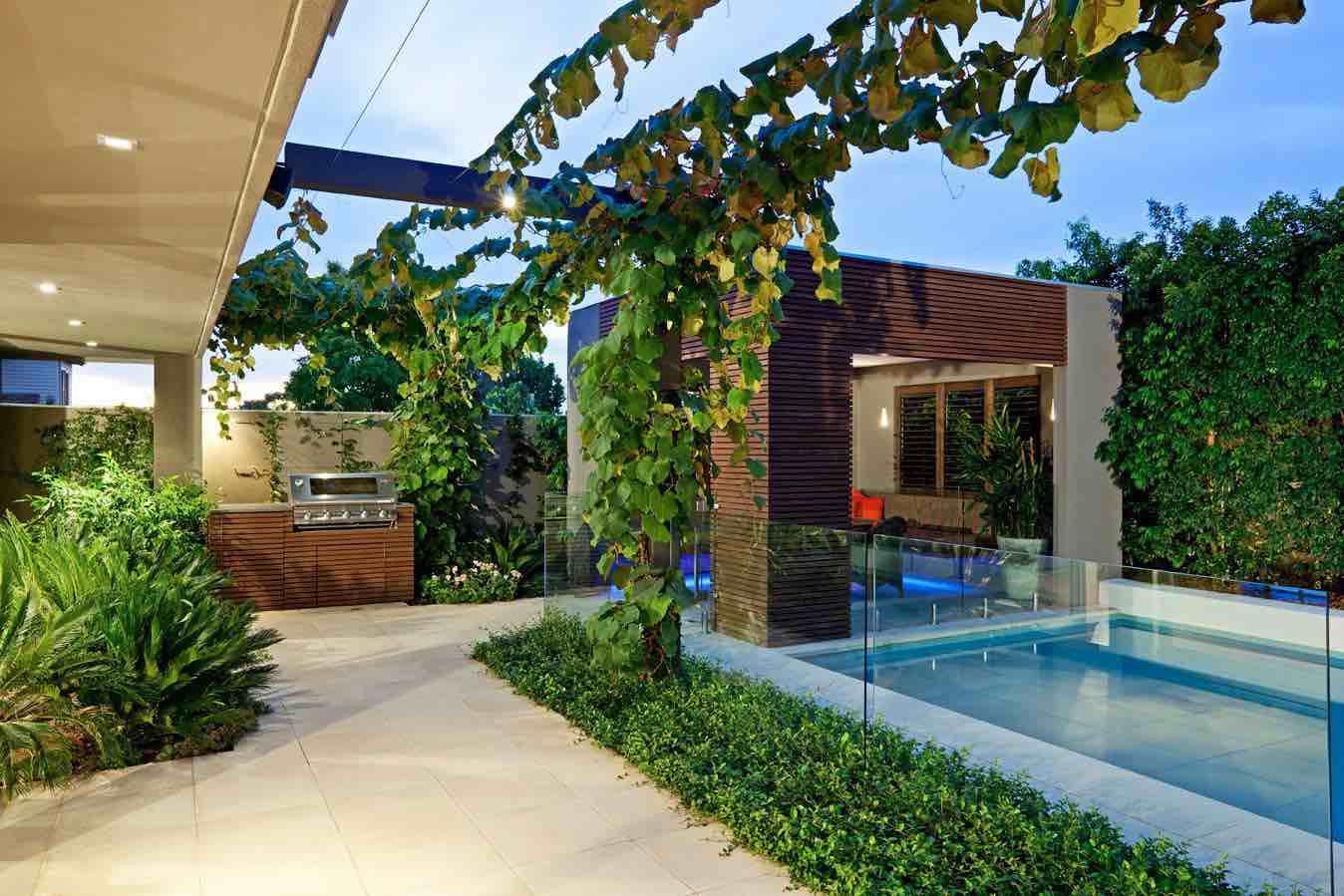 Backyard Ideas For Small Yard  Small Backyard Home Design Idea