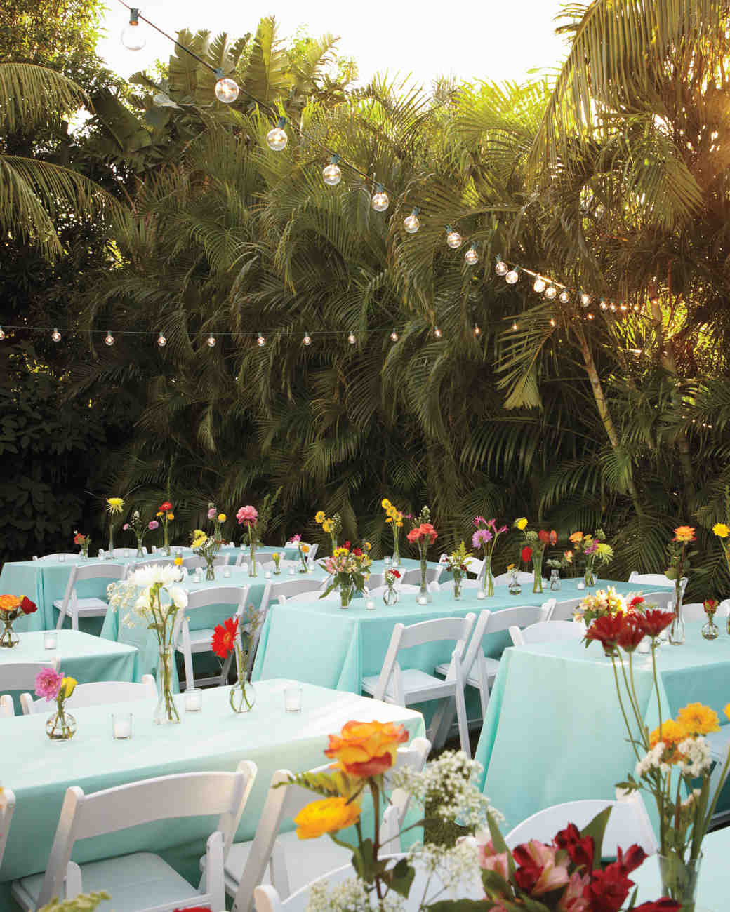Backyard Wedding Receptions  16 Things You Need to Know to Pull f an Outdoor Wedding