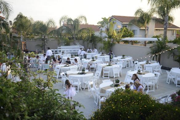 Backyard Wedding Receptions  Fresh Fun Wedding with Backyard ReceptionFresh Fun