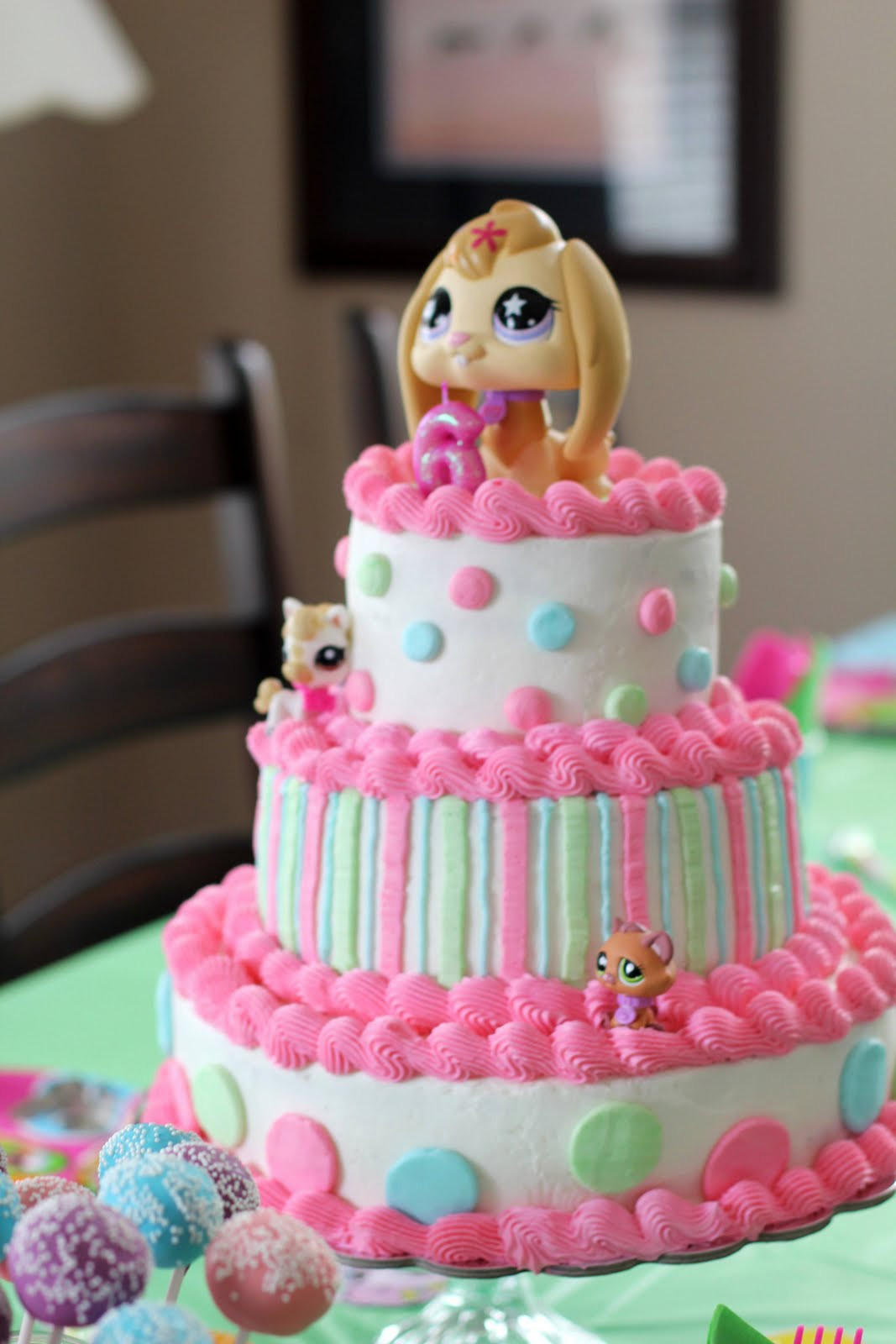 Birthday Cake Stores  Say It Sweetly A Littlest Pet Shop Birthday Cake