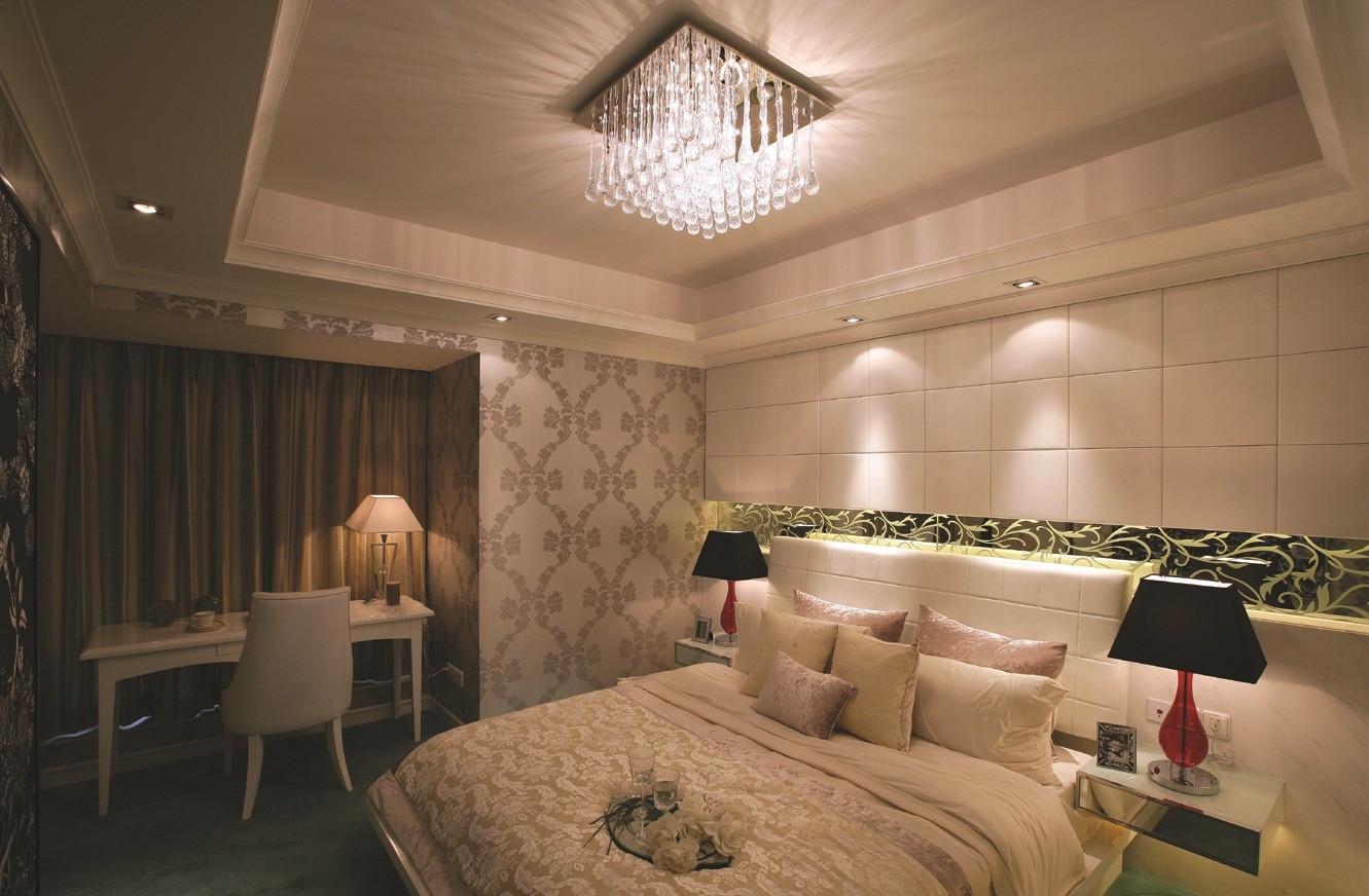 Ceiling Lights Bedroom  Modern Ceiling Lights Illuminating Shiny Interior
