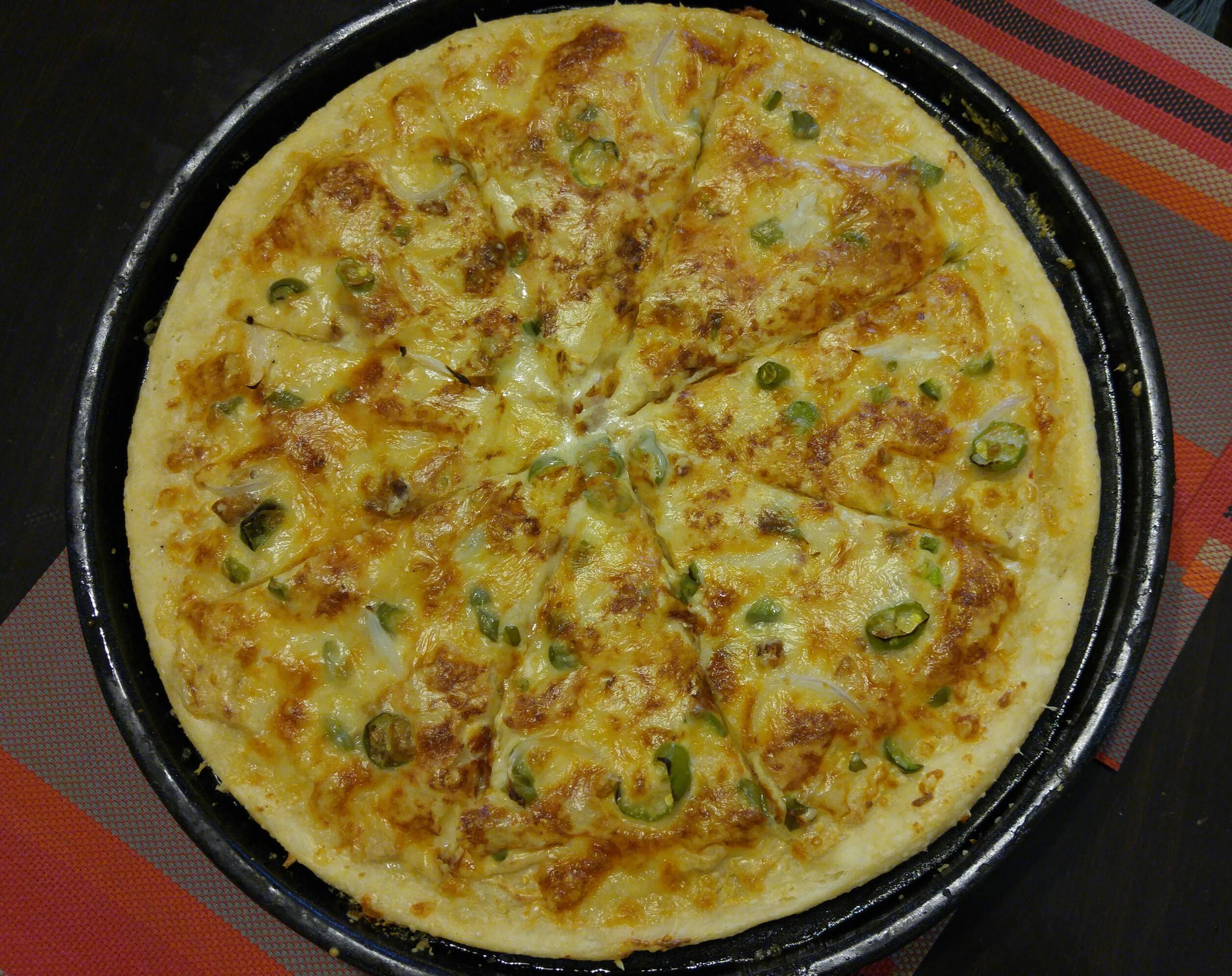 Creamy Garlic Pizza Sauce  Meet my homemade Creamy Garlic Pizza Made from creamy