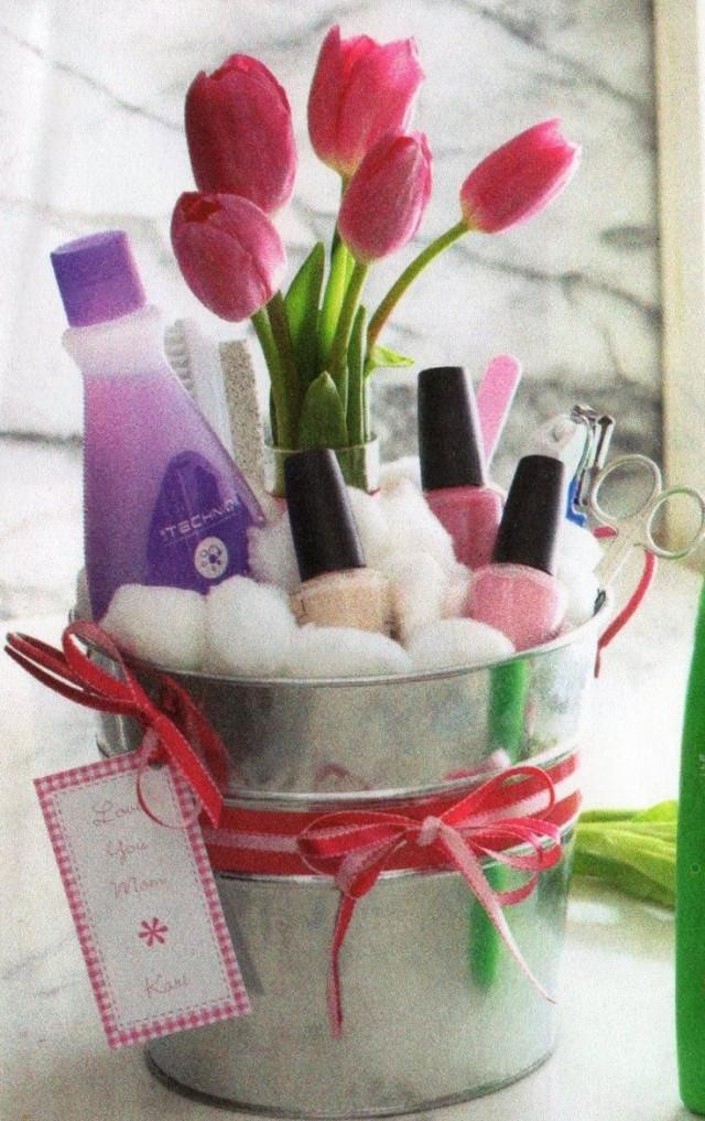 Cute Gift Basket Ideas  DIY Mothers Day Gift Baskets to Make at Home