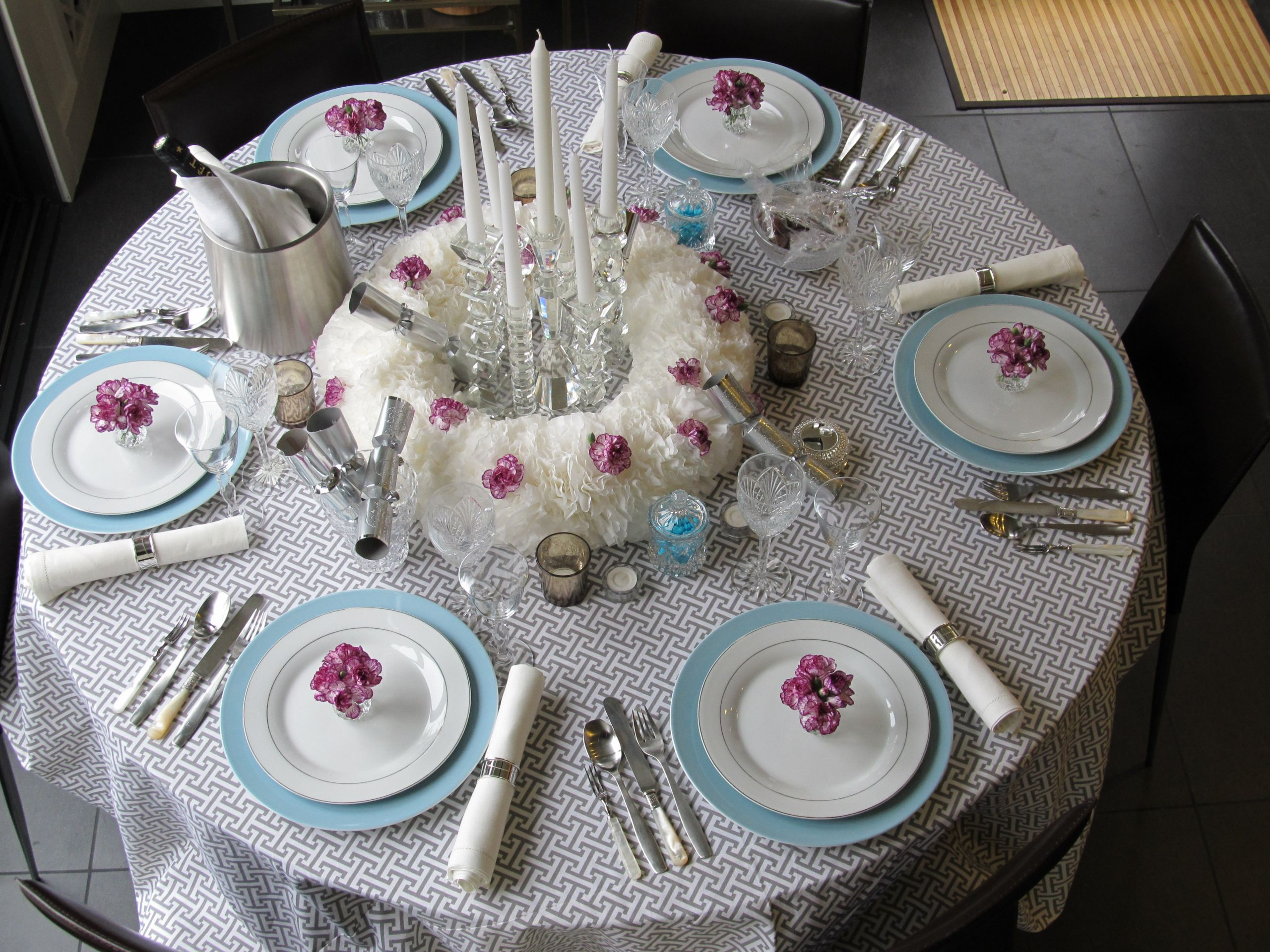 Dinner Party Table Ideas  New Year's Eve Dinner Party Table Setting