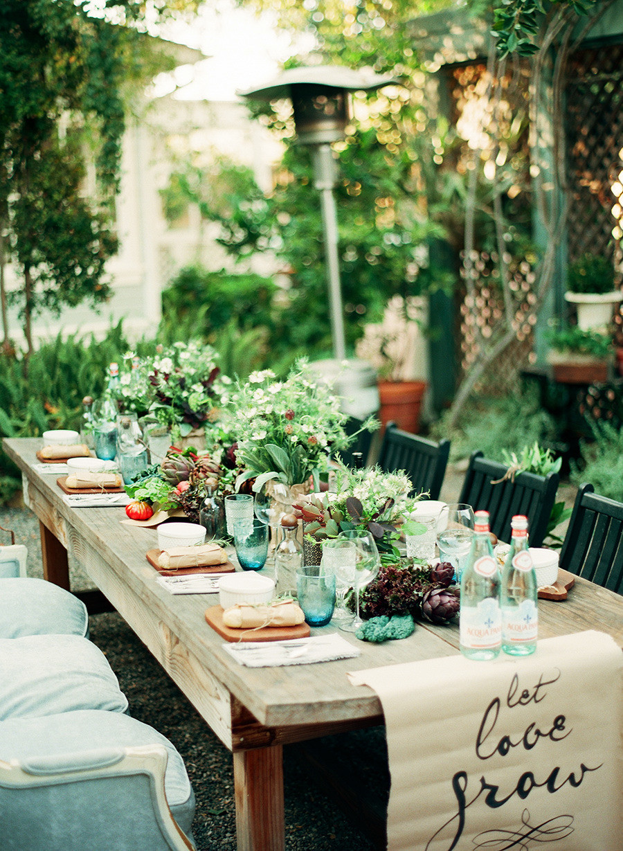 Dinner Party Table Ideas  50 Outdoor Party Ideas You Should Try Out This Summer