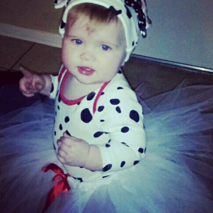 DIY Dalmatian Costume Baby  Baby Dalmatian costume DIY projects for the kids