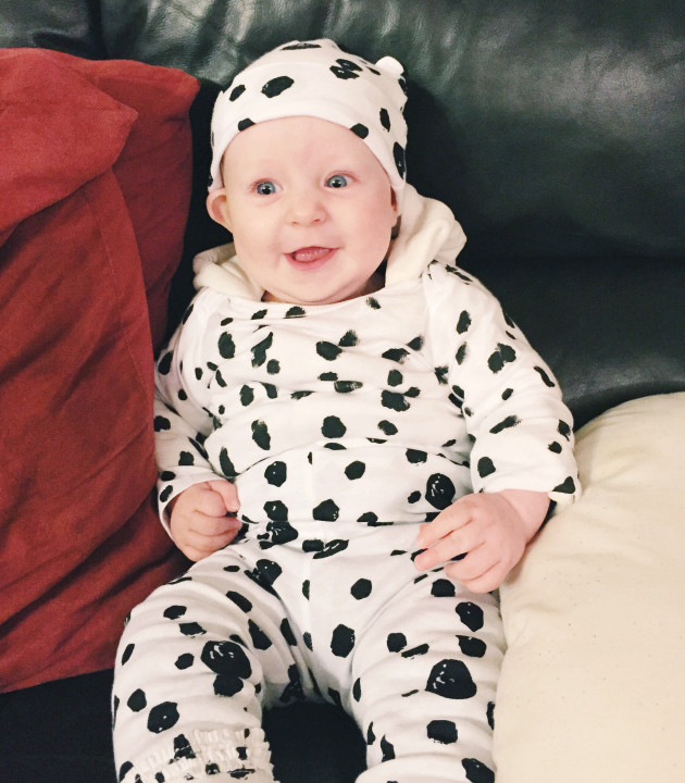 DIY Dalmatian Costume Baby  Cruella De Vil and 1 Dalmatian Mom and Baby Halloween