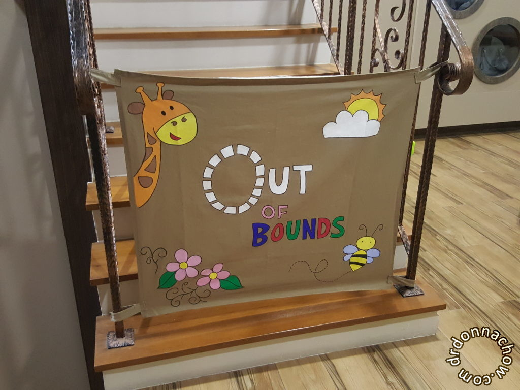 Diy Fabric Baby Gate  20 DIY Baby Gate Ideas Fabric Pallet and Wood Frame