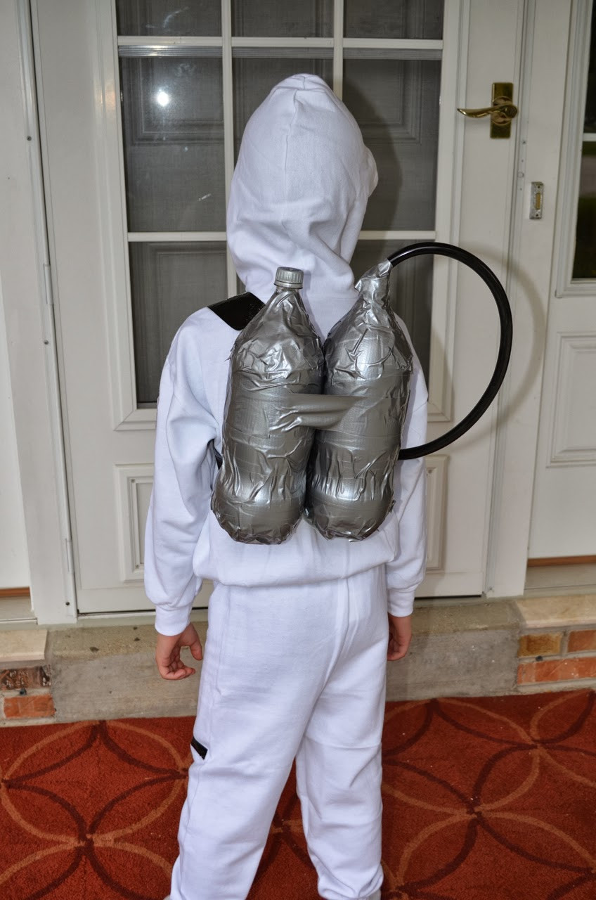 DIY Kids Astronaut Costume  What DID we do all day Easy No Sew Astronaut Costume