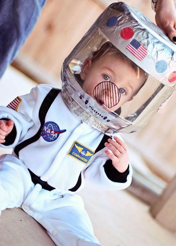 DIY Kids Astronaut Costume  An Astronaut Costume For Kids Disfraces