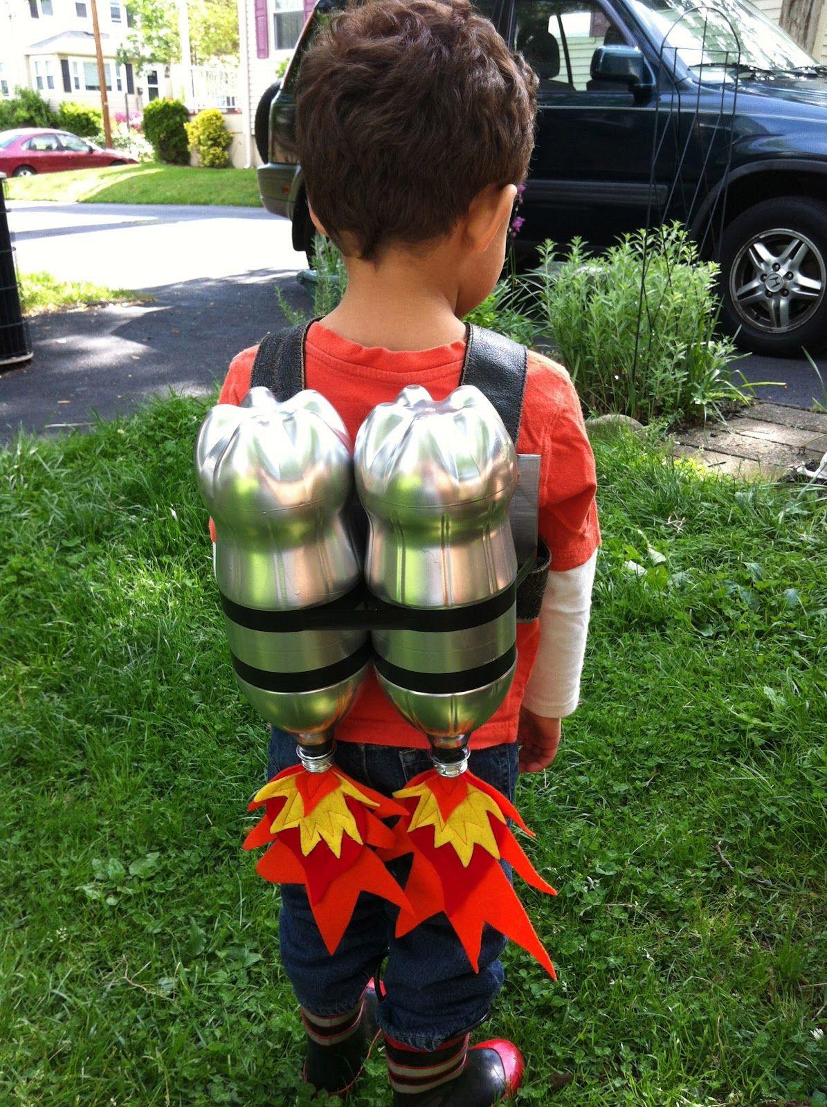 DIY Kids Astronaut Costume  Dispatches from the GD BG TransAtlantic Crafting BLAST