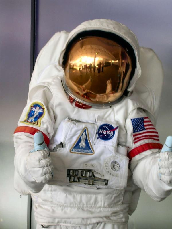 DIY Kids Astronaut Costume  How to Make an Astronaut Costume for a Child 7 steps