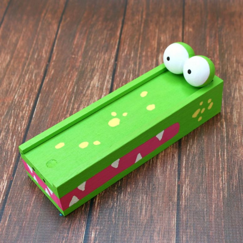DIY Pencil Box  14 Awesome And Fun DIY Pencil Cases For Kids Shelterness