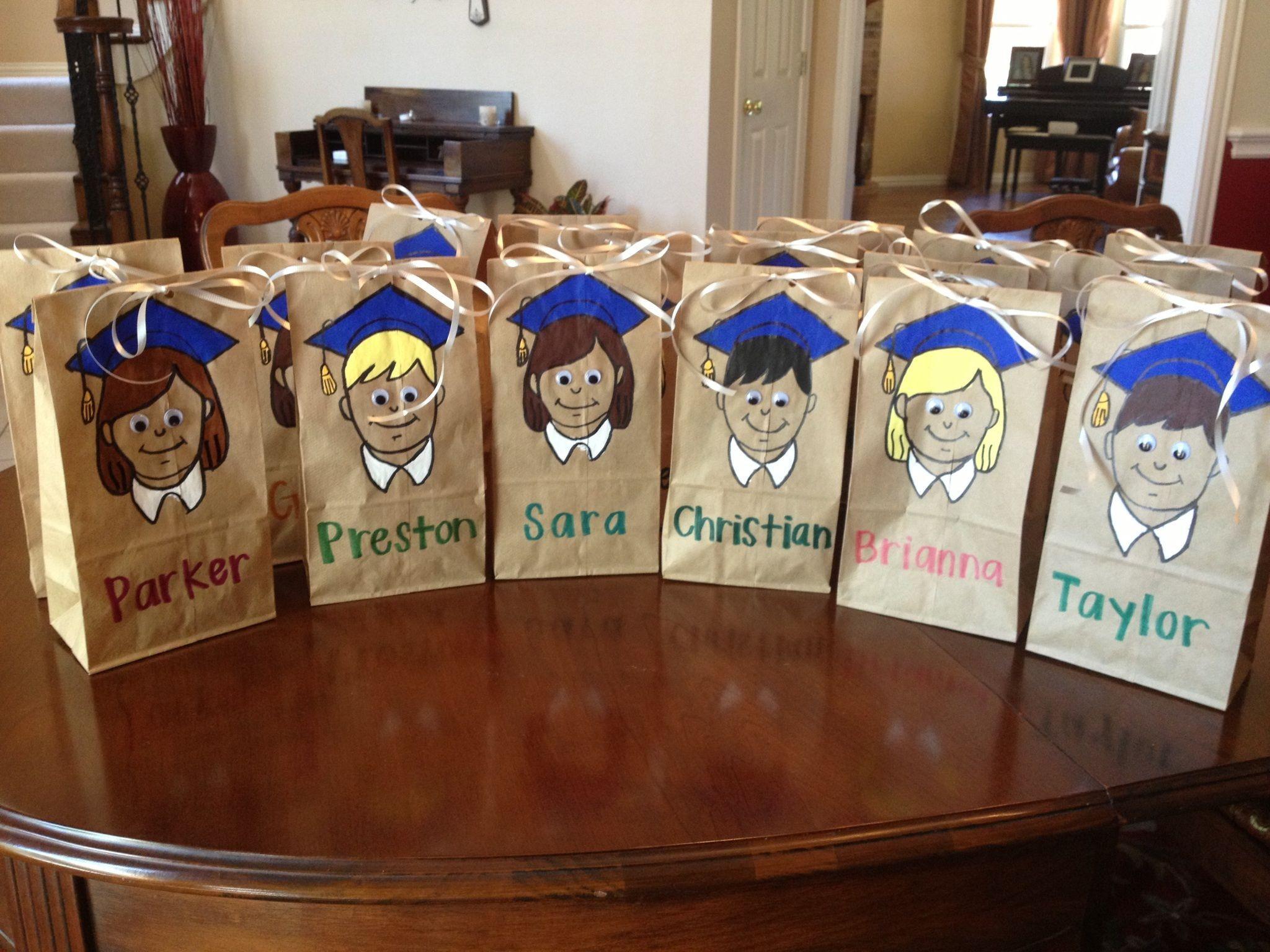 Elementary School Graduation Gift Ideas  Easy Elementary School Graduation Goo Bags Cut out