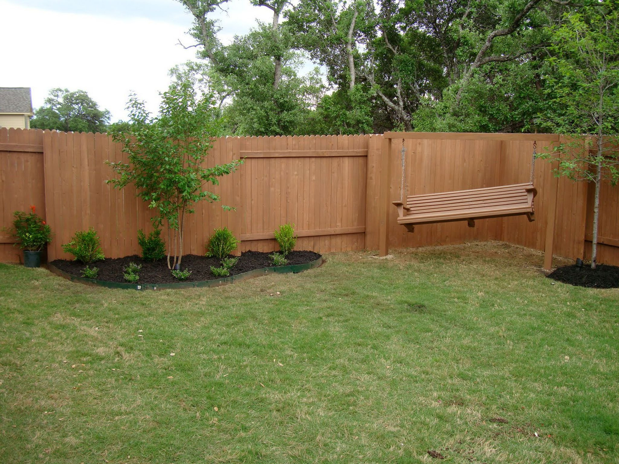 Fence Pictures For Backyard  Some Helpful Cheap Backyard Fence Ideas Using the Recycle