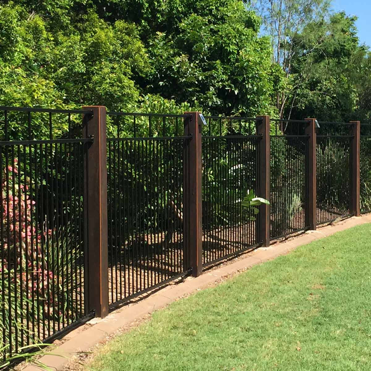 Fence Pictures For Backyard  6 Fascinating Ideas For Decorating Garden Fence
