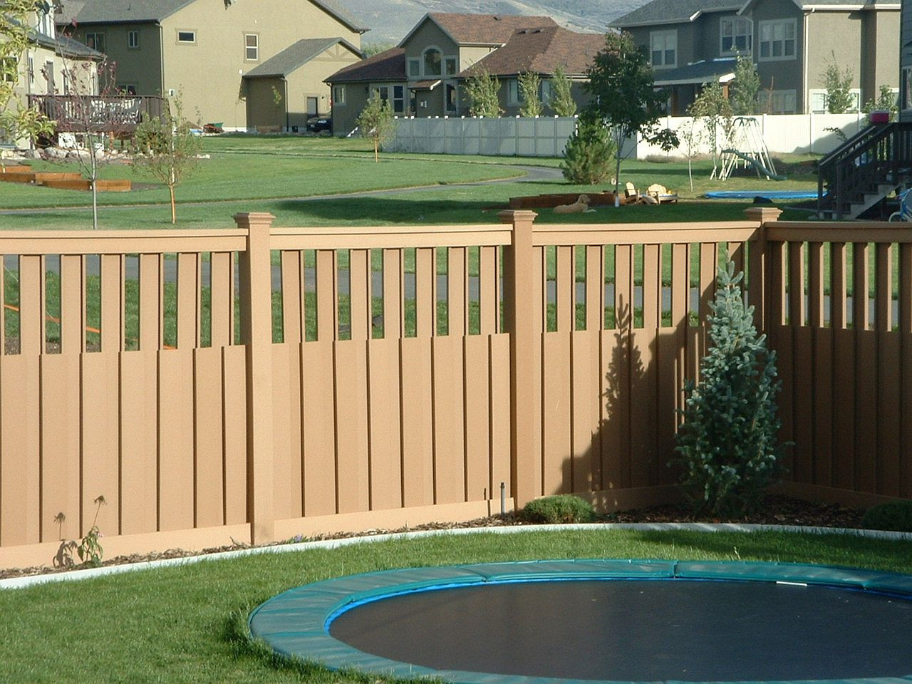 Fence Pictures For Backyard  Backyard Fencing Ideas – HomesFeed