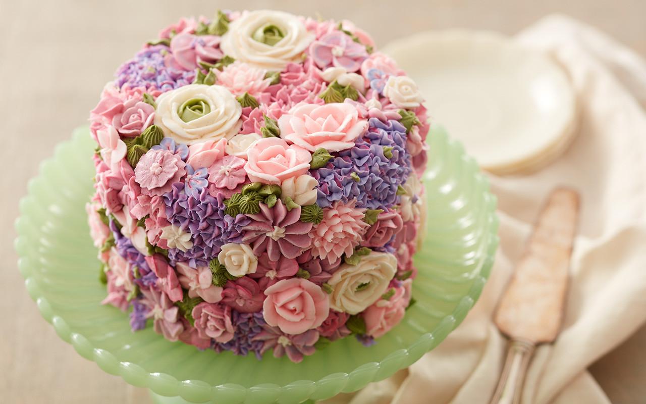 Flowers Birthday Cake  8 Fabulous Flower Birthday Cake Ideas