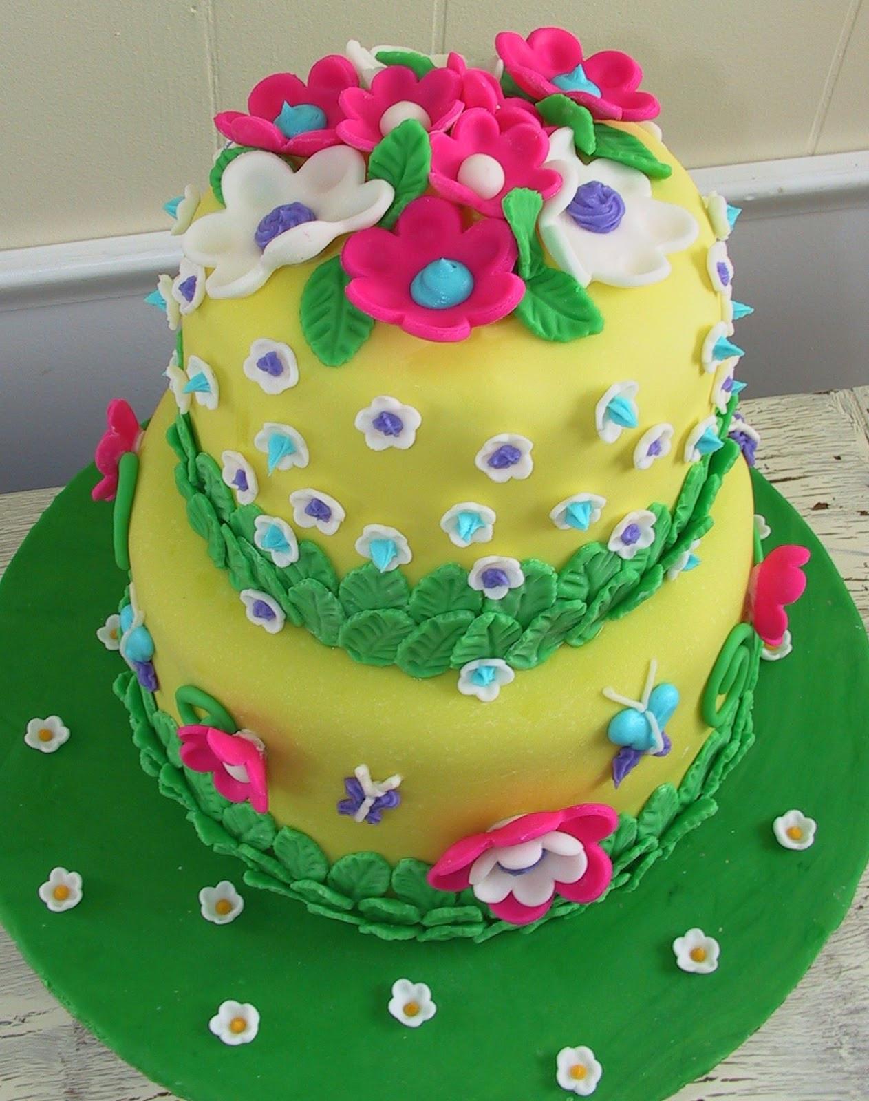Flowers Birthday Cake  Delicious Cake Blogger Flower Birthday Cake Ideas