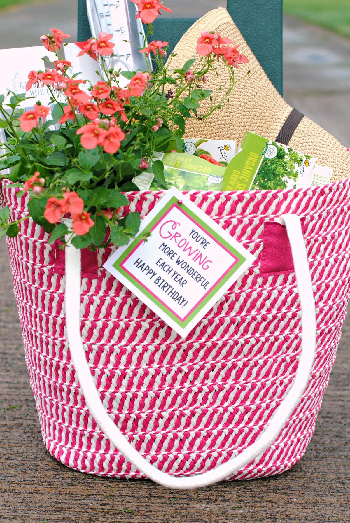 Garden Themed Gift Basket Ideas  Fun Gardening Gift Basket Idea – Fun Squared