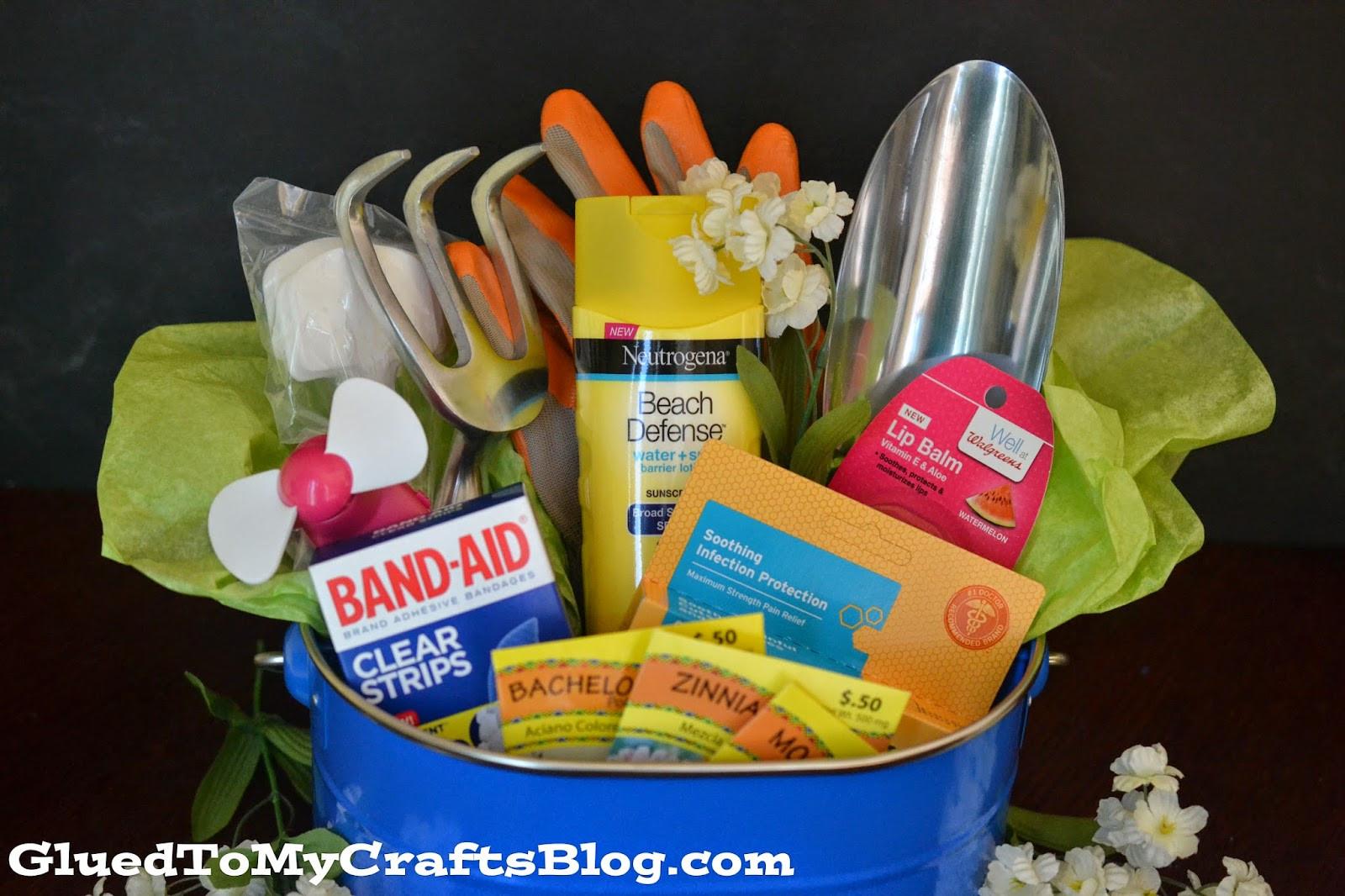 Garden Themed Gift Basket Ideas  Celebrate The Gardener In Your Life Gift Basket Idea