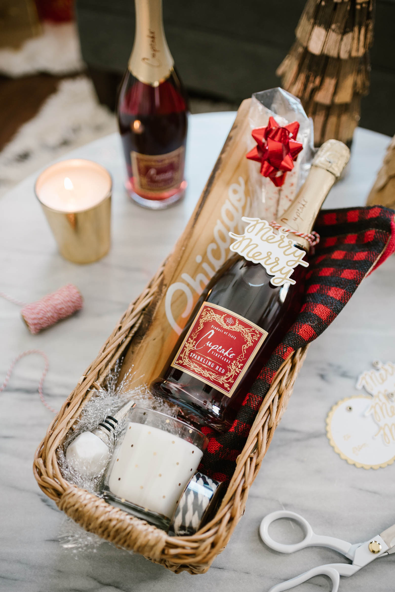 Gift Basket Ideas For Parents  Last Minute Holiday Idea Easy Homemade Gift Baskets