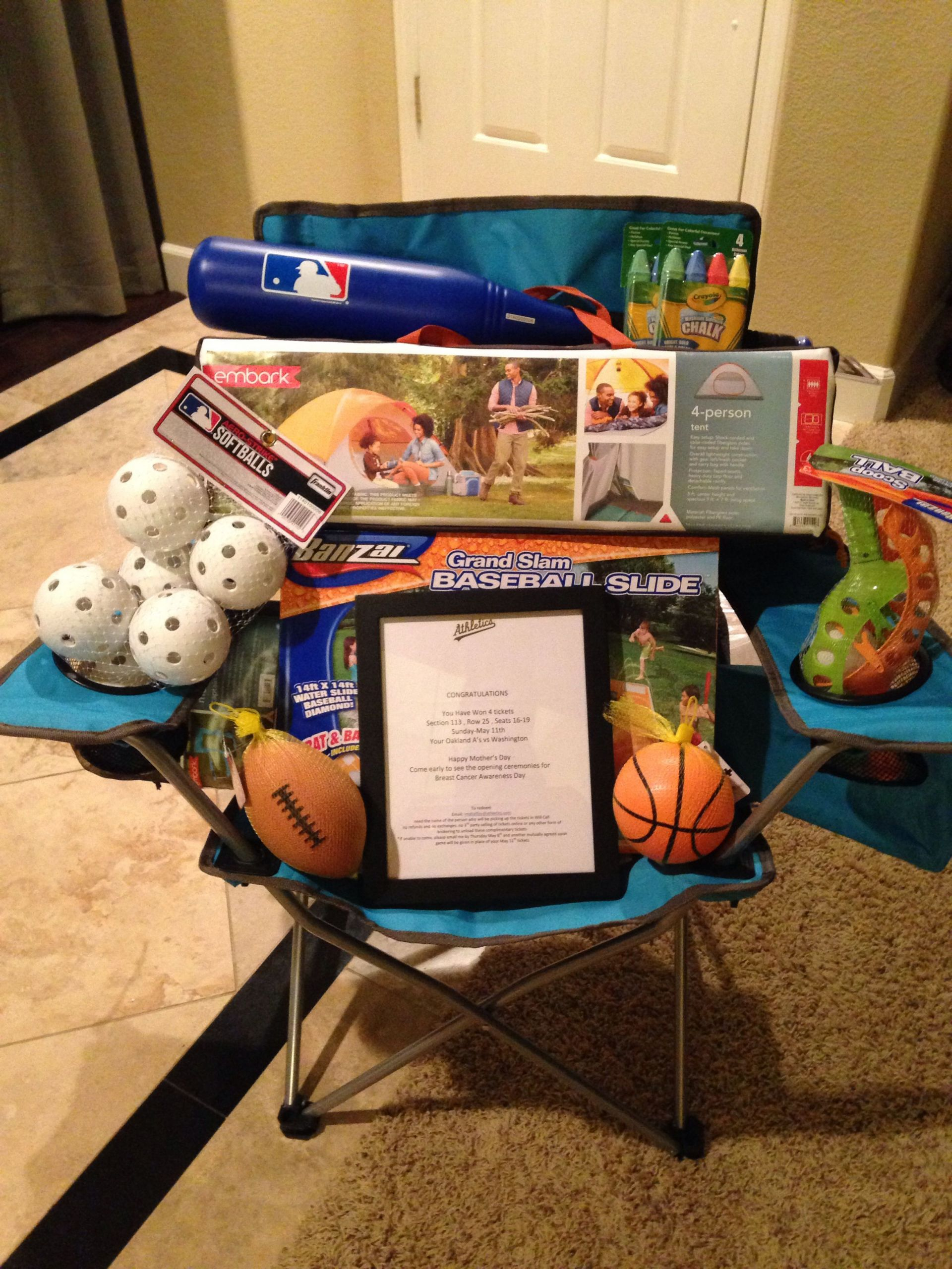 Gift Basket Theme Ideas Fundraiser  luxury rαy bαn glassés no matter the style or color rαy