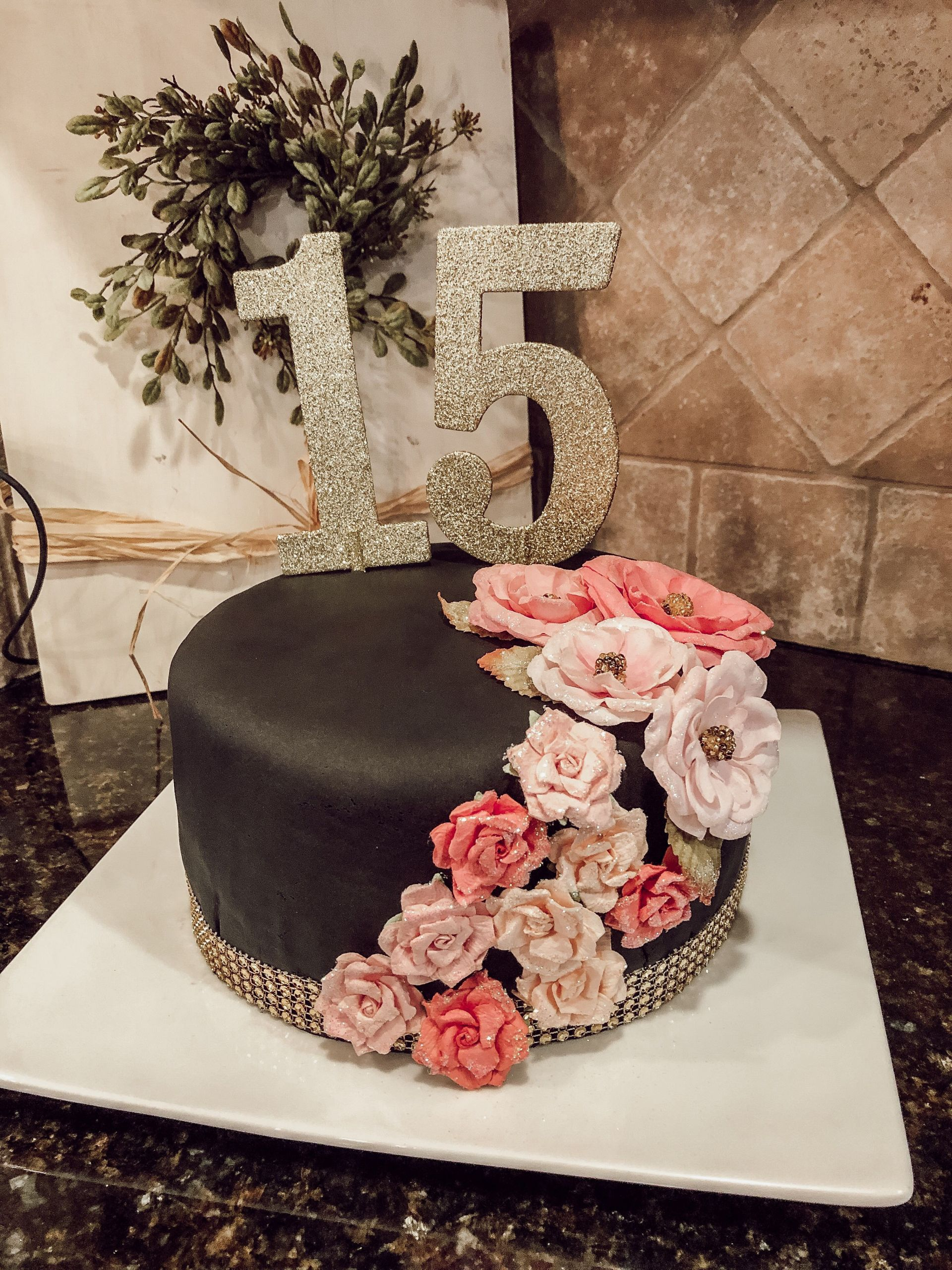 Gift Ideas For 15 Year Old Girls  15 year old girl birthday cake With images