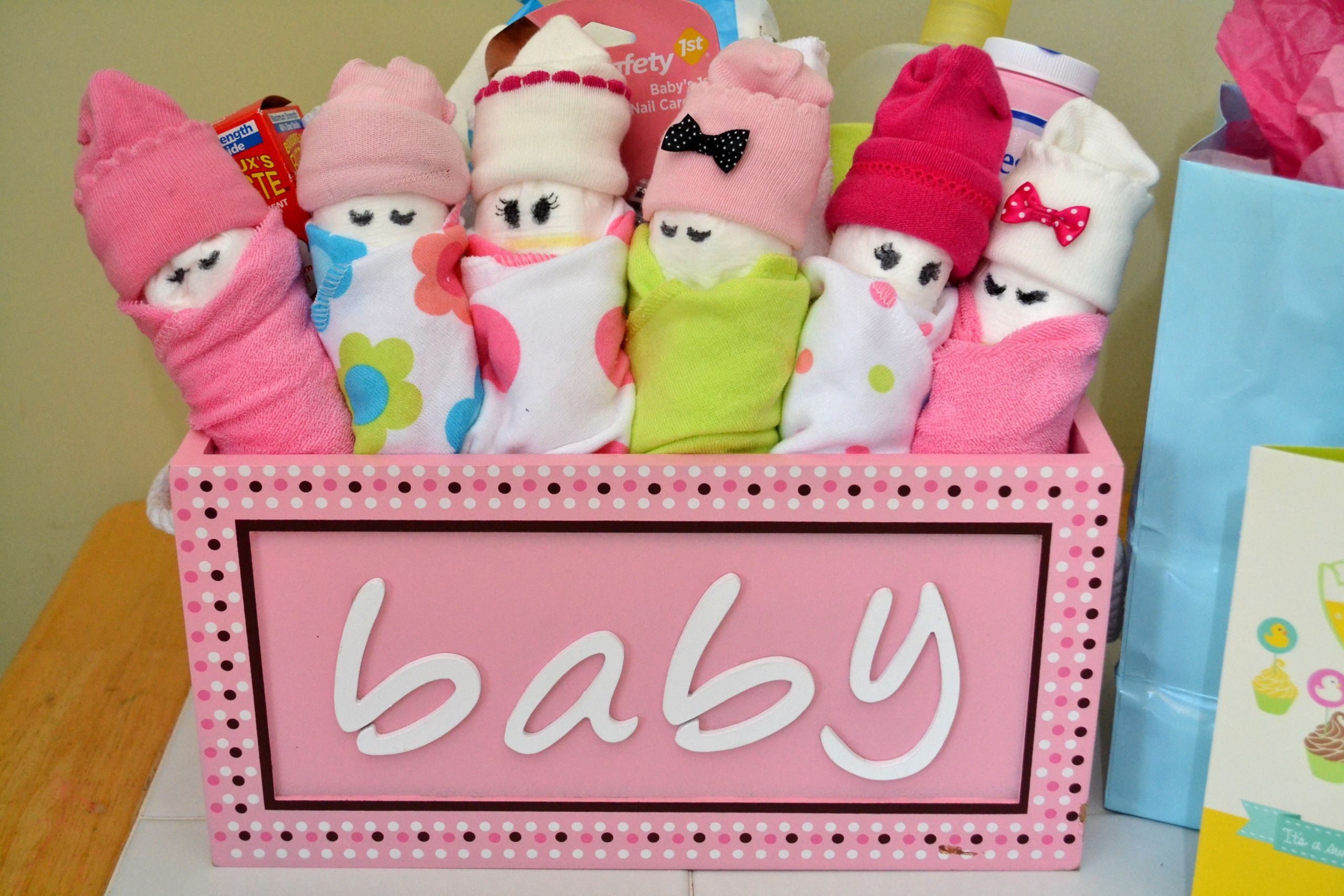 Gift Ideas For A Baby Girl  Essential Baby Shower Gifts & DIY Diaper Babies