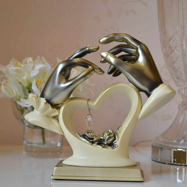 Gift Ideas For Eloped Couple  Hold your hand couple decoration ornaments resin crafts