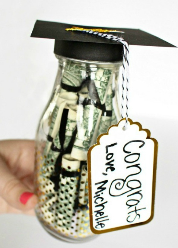 Gift Ideas For Graduation  10 Graduation Gift Ideas Your Graduate Will Actually Love