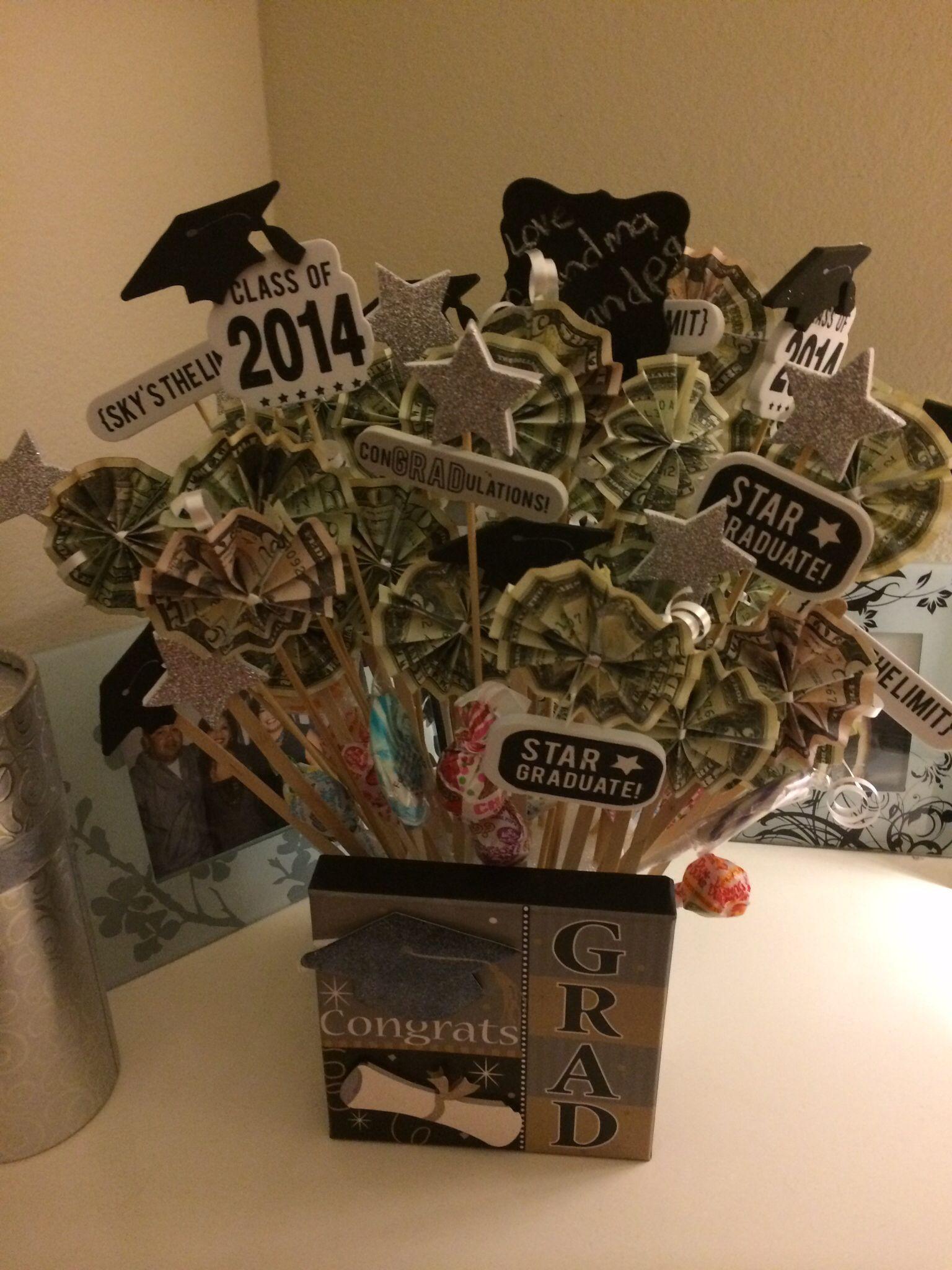 Graduation Gift Ideas Pinterest  Graduation t ideas Basket case