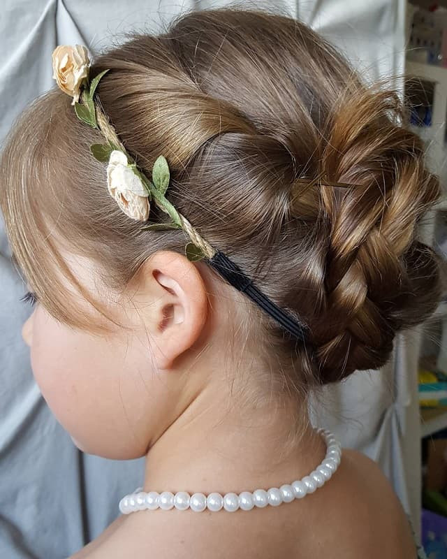 Hairstyles For Little Girls For Weddings  25 Stunning Hairstyles for Little Girls to Rock at Weddings