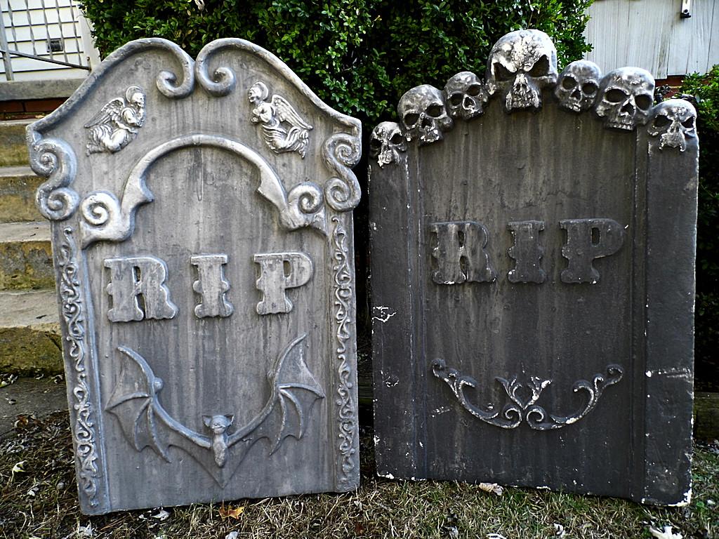 Halloween Grave Stone  2 Tombstones Halloween Prop