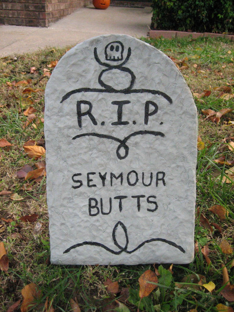 Halloween Grave Stone  Halloween Tombstone Lawn Decoration 8 Steps with