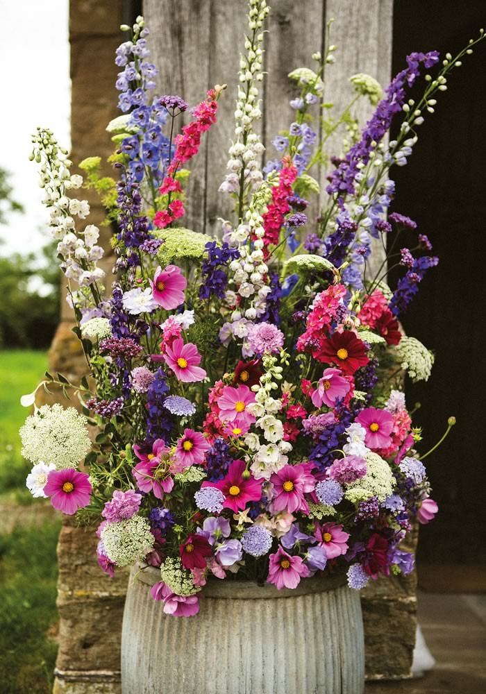 How To Save On Wedding Flowers  12 Ways To Save Wedding Flowers