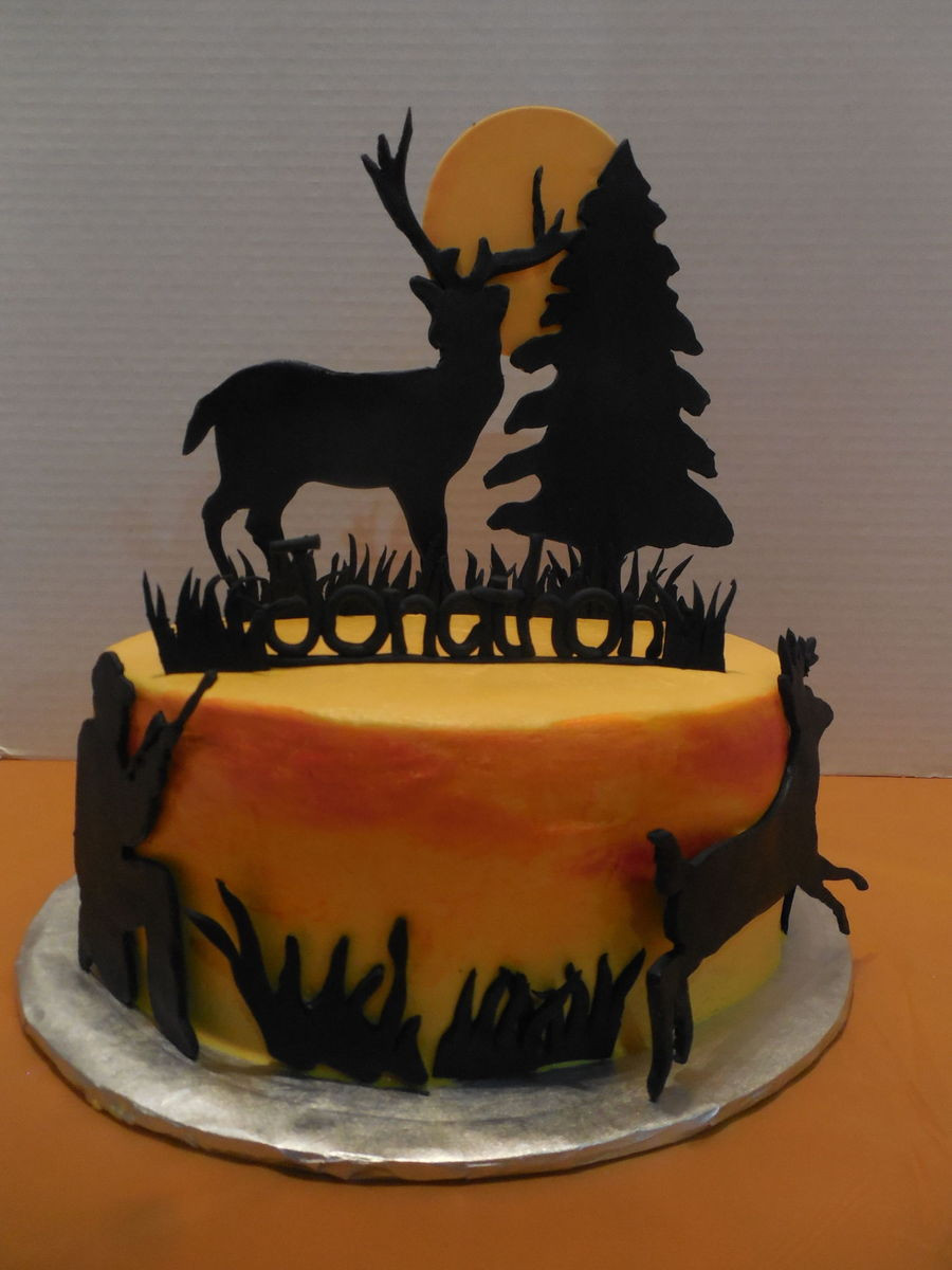 Hunting Birthday Cakes  Deer Hunting Cake CakeCentral
