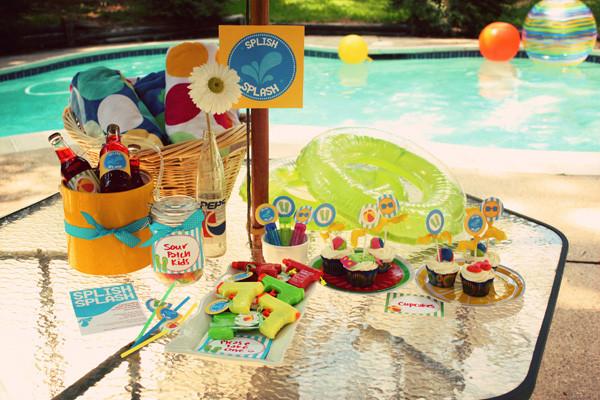 Ideas Pool Party  Pool party décor