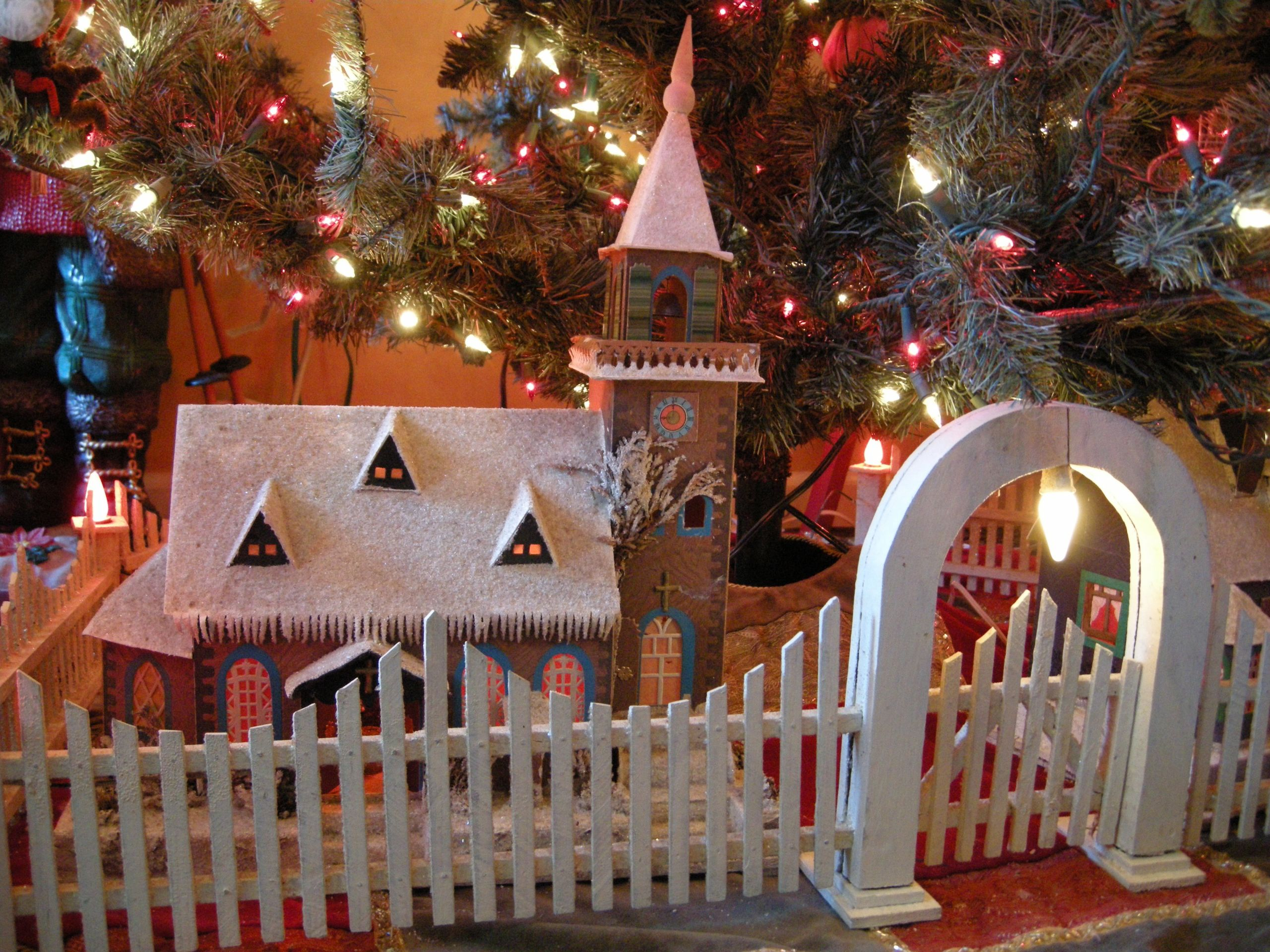 Indoor Christmas Tree Fence  30 Best Indoor Christmas Tree Fence Home DIY Projects