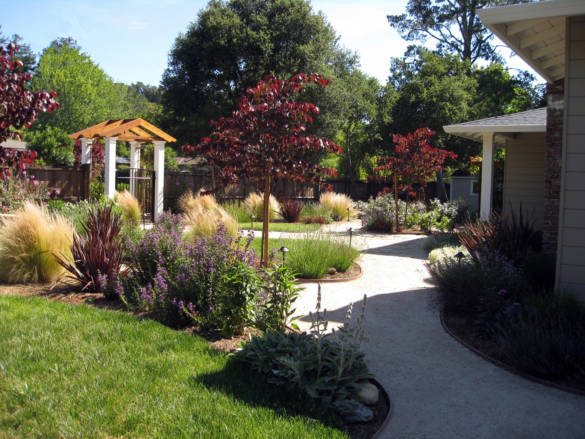 Landscape Design For Front Yards  Some Ideas of Front Yard Landscaping for a Small Front