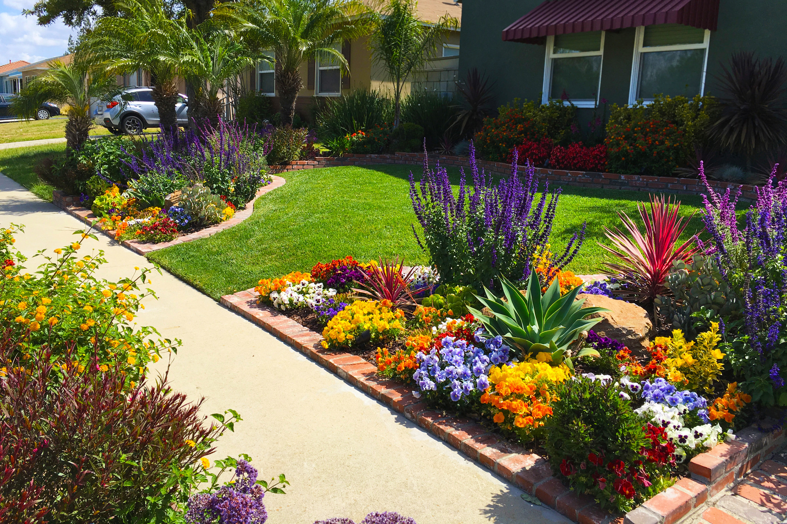 Landscape Design For Front Yards  Front Yard Landscaping Ideas for Curb Appeal