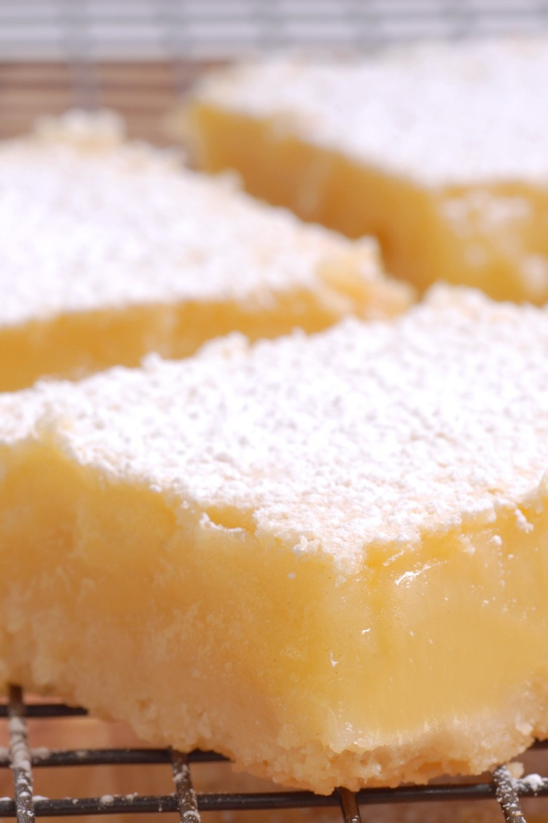 """Low Carb Cream Cheese Dessert  Low Carb Lemon """"cheesecake"""" Bars"""