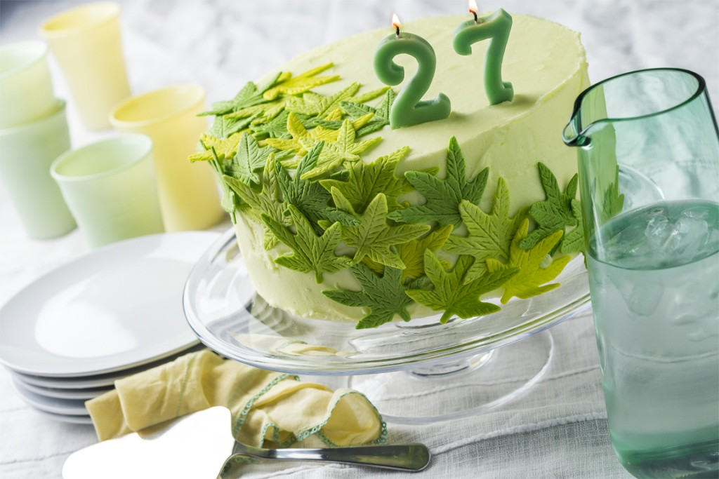 Marijuana Birthday Cake  How to make a cannabis birthday cake Makan Harian
