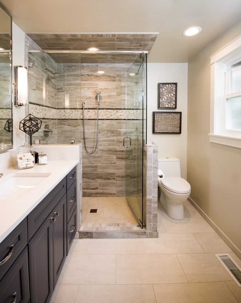 Master Bathroom Ideas Photo Gallery  Luxurious and Spacious Master Bathroom on a small