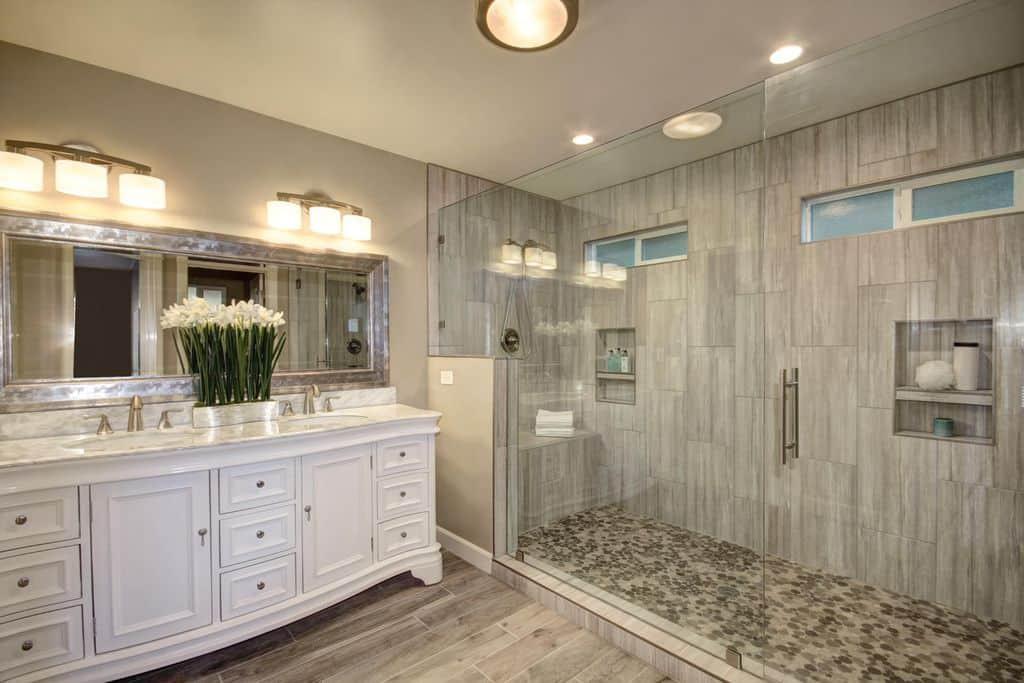 Master Bathroom Size  65 Medium Sized Master Bathroom Ideas s