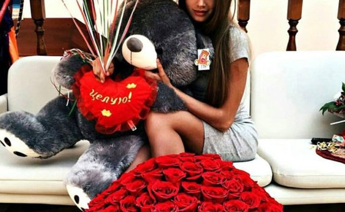 Mens Valentines Gift Ideas Uk  The 15 Best Cheap Valentine s Day Gifts For Her Society19