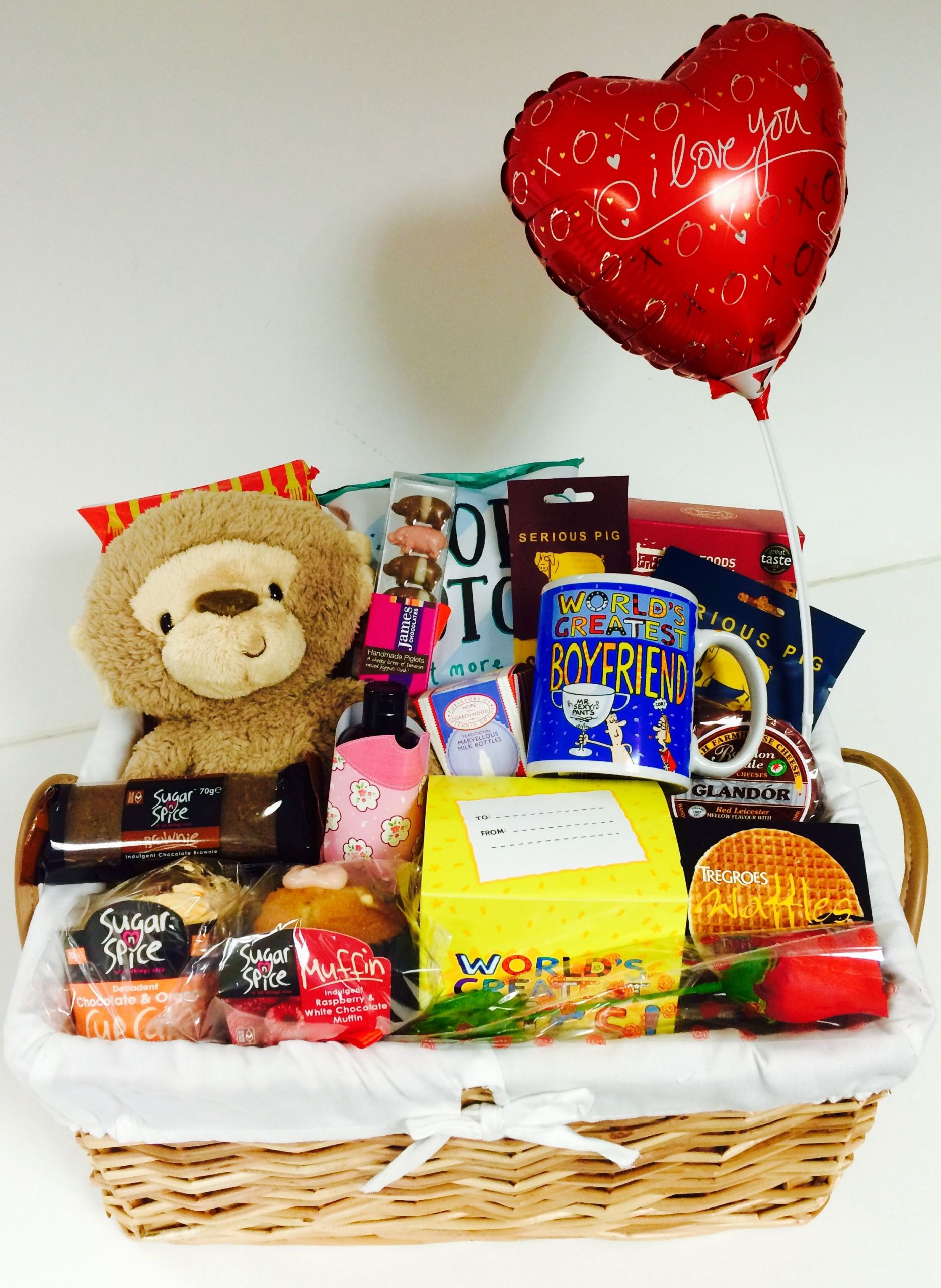 Mens Valentines Gift Ideas Uk  No 1 Boyfriend t basket perfect for Valentine s Day an